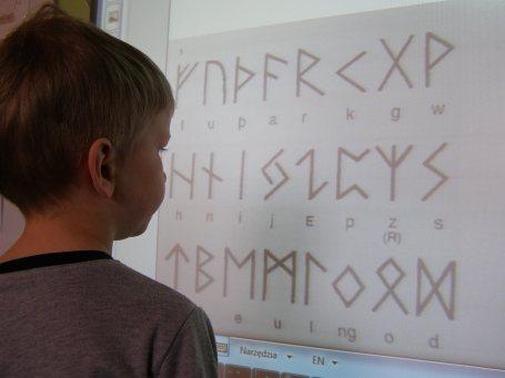 wiktor and runes 1